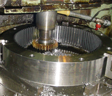 Cylindrical gears with internal teeth cutting