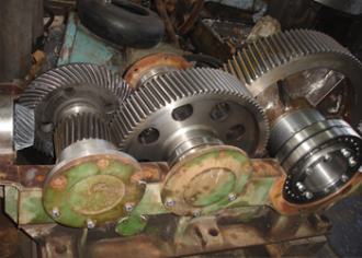 Repair of gearboxes with helical gears